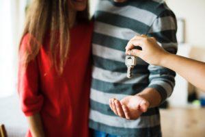 Zakup mieszkania z rynku wtórnego, usługi remontowo-budowlane, usterki w mieszkaniu
